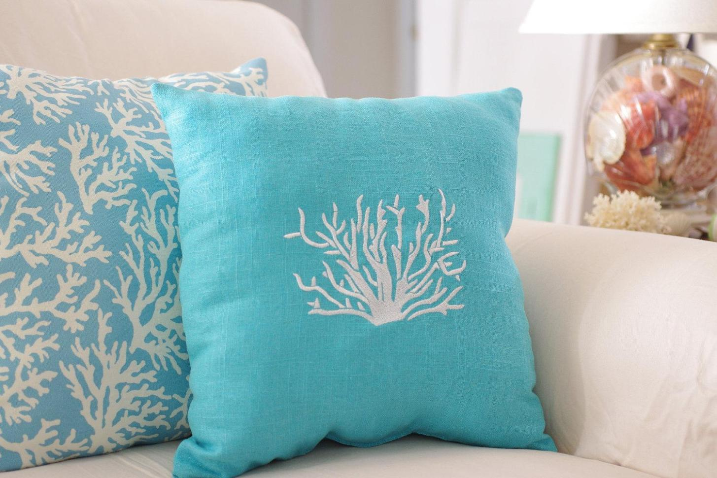 Image of: Turquoise Blue Throw Pillows