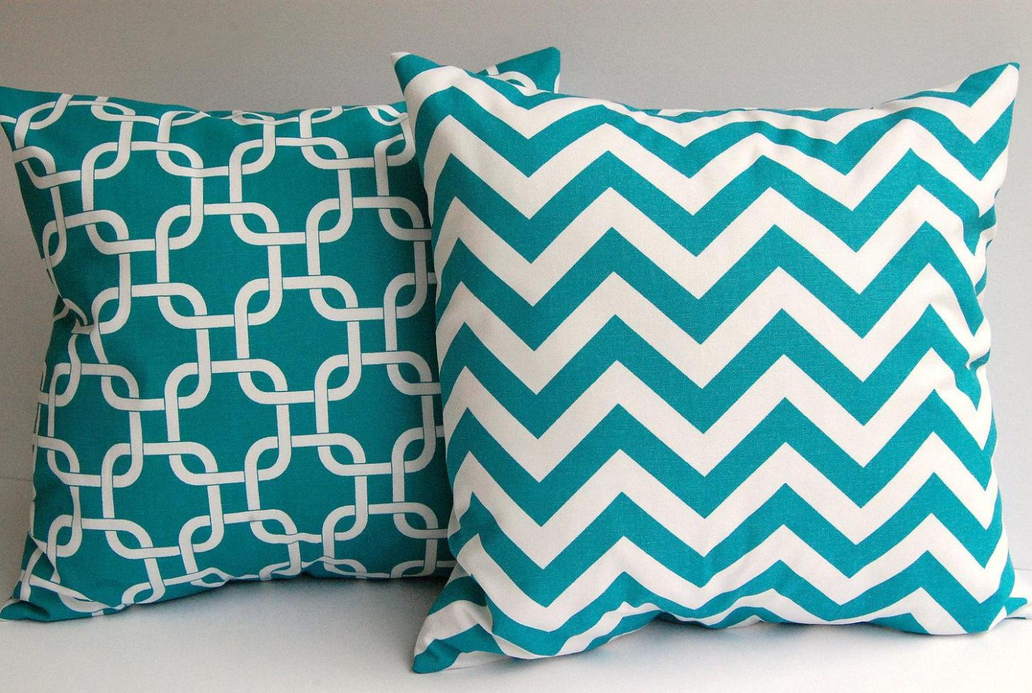 Image of: Turquoise Toss Pillows