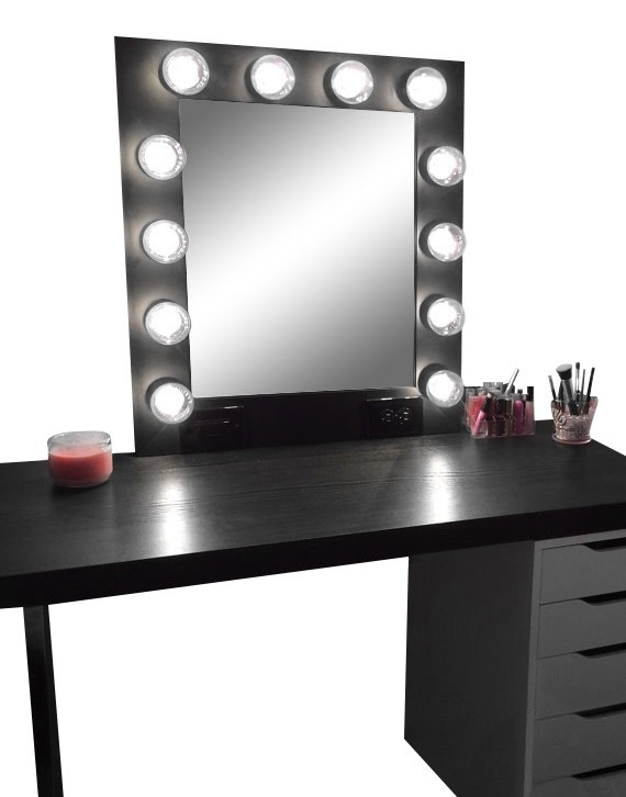 Image of: Vanity Makeup Mirror with Light Bulbs Classic