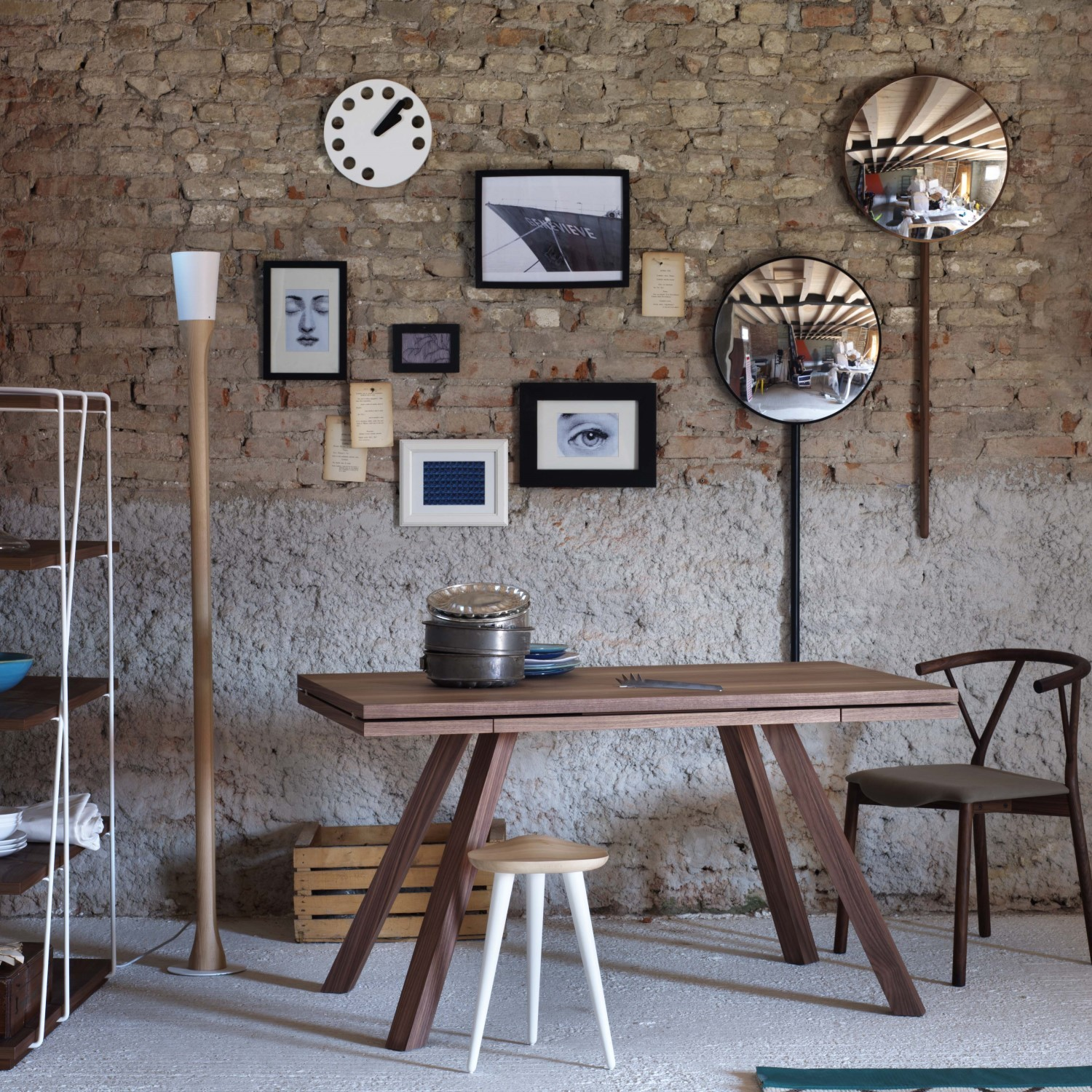 Image of: Vintage Wall Mirrors Round