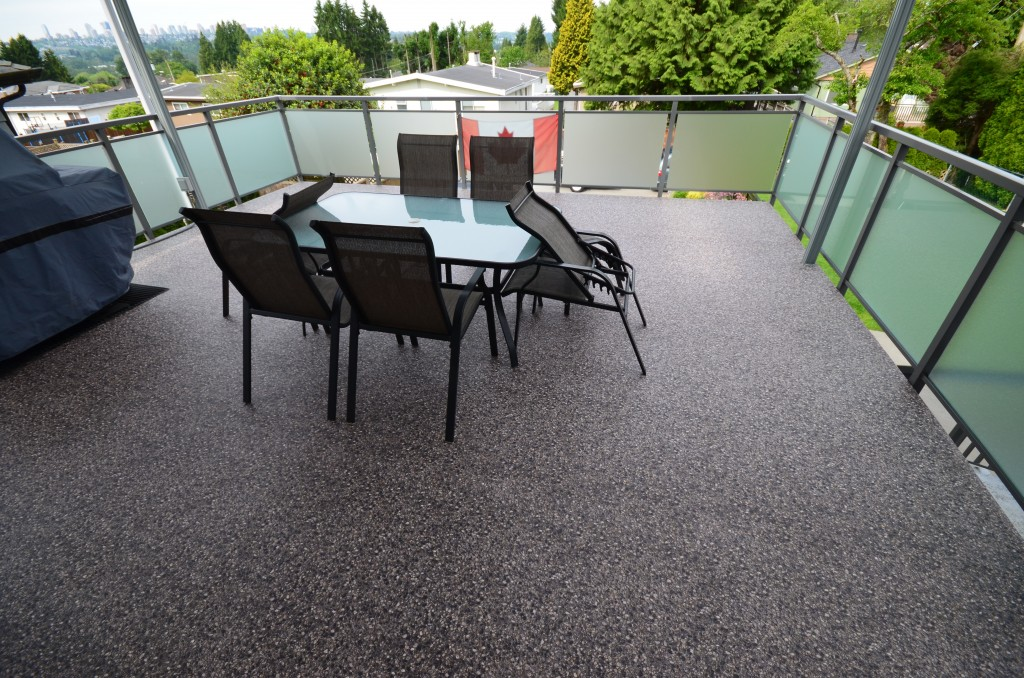 Image of: Vinyl Deck Covering Ideas
