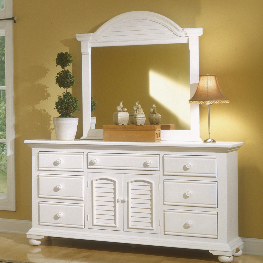 Image of: White Dresser With Mirror Furniture