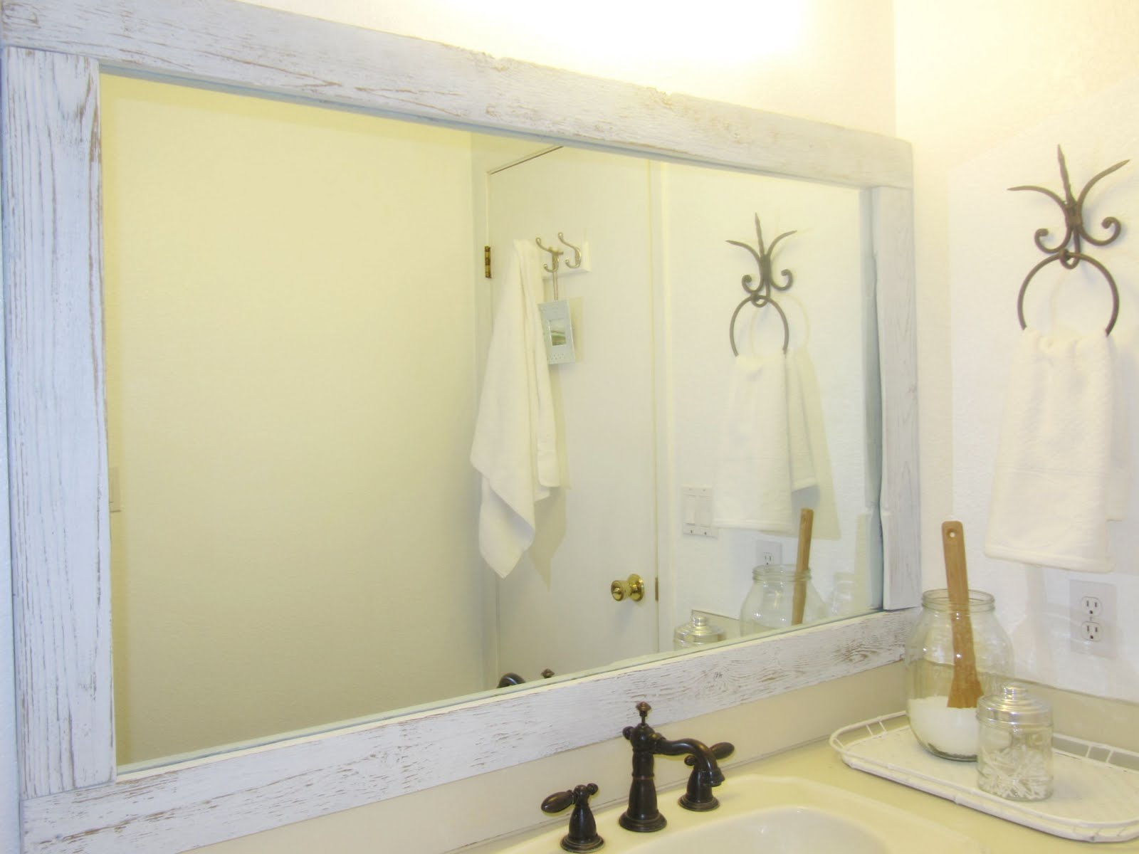 Image of: White Wood Framed Mirrors
