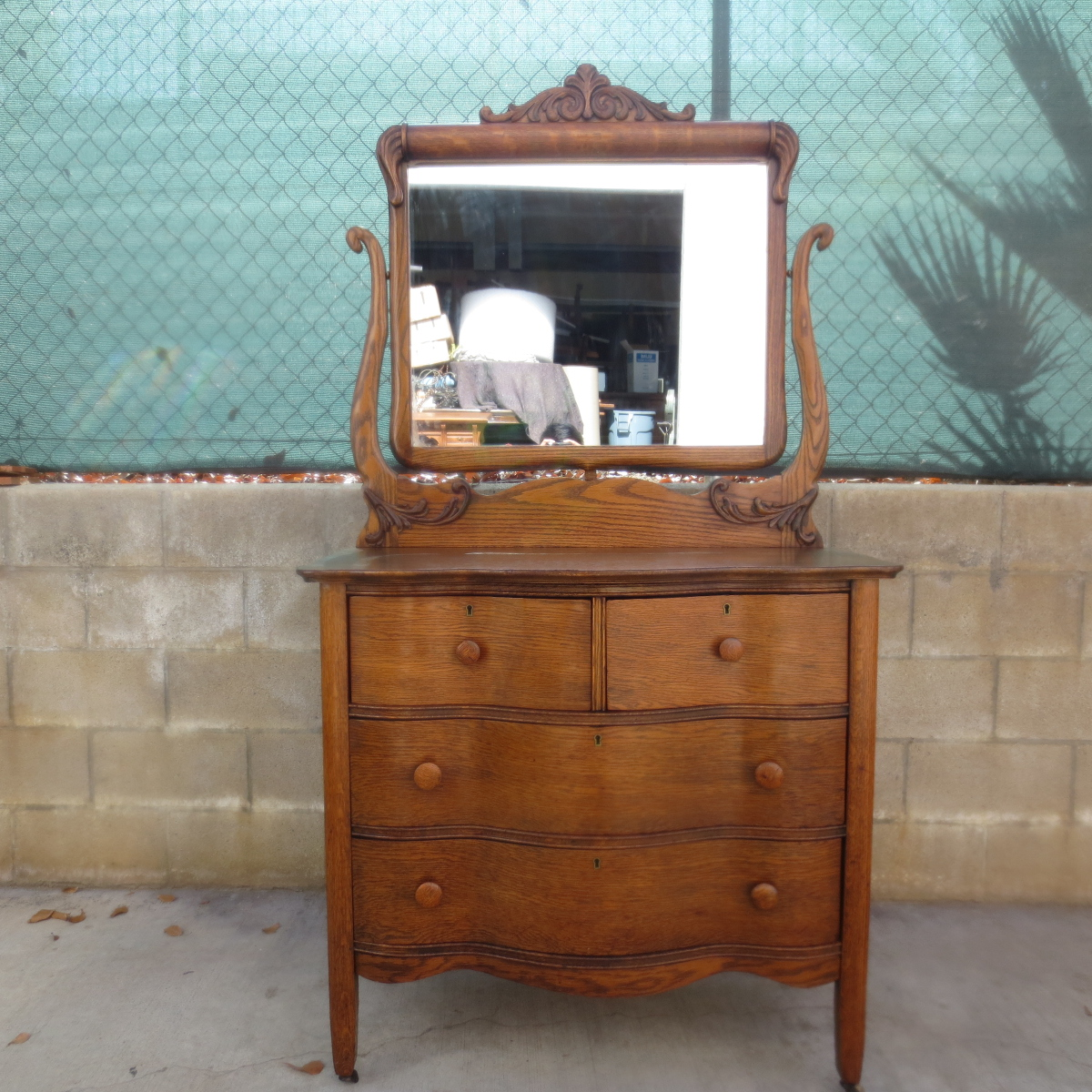 Image of: Wonderful Antique Dresser With Mirror