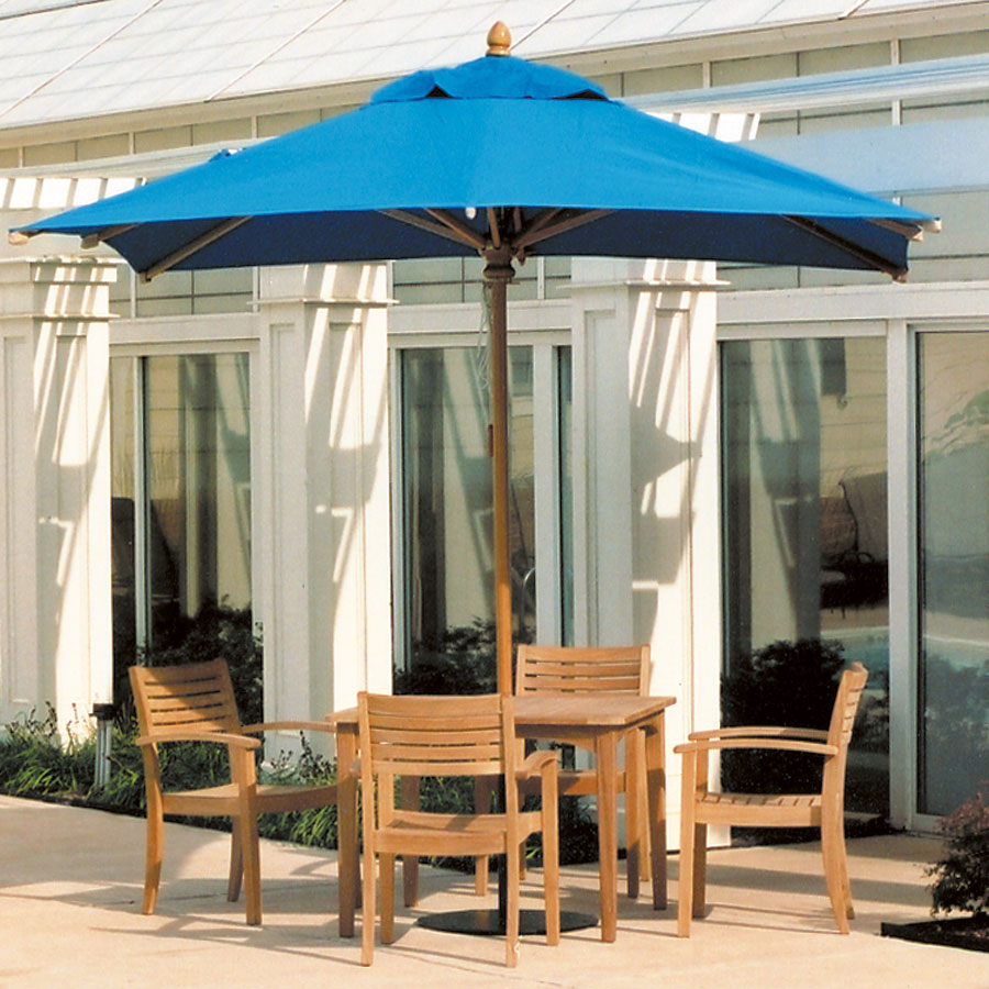 Image of: Wood Patio Furniture with Umbrella