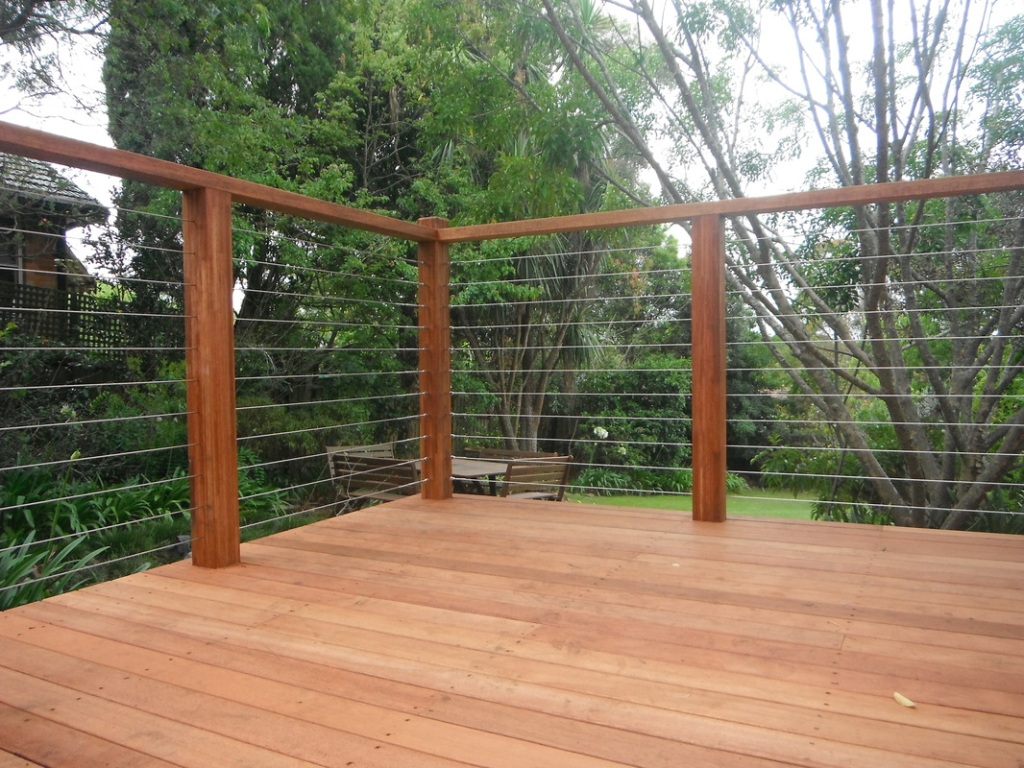 Image of: Wood and Wire Mesh Deck Railing