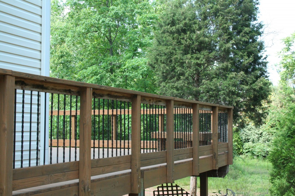 Image of: Wrought Iron Deck Railing Design Ideas