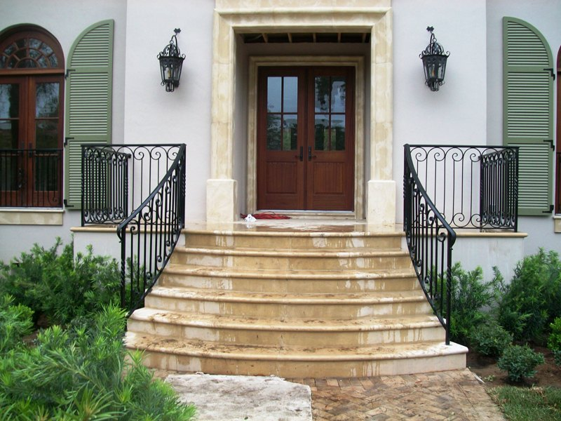 Image of: Wrought Iron Deck Railing Ideas