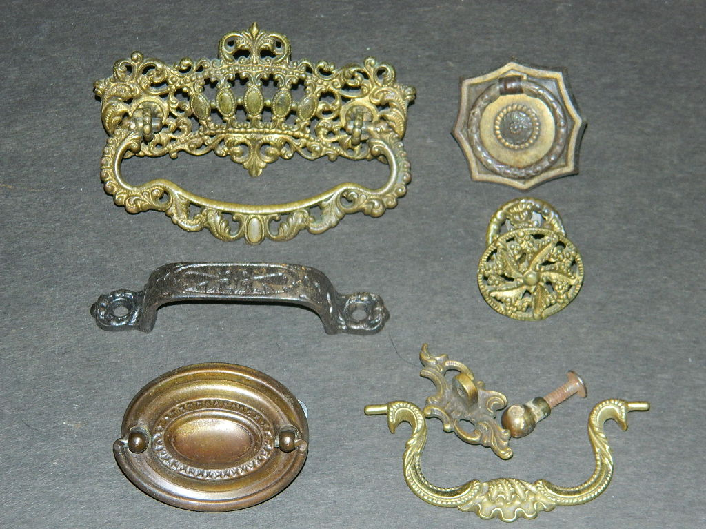 Image of: Antique Dresser Knobs Shapes