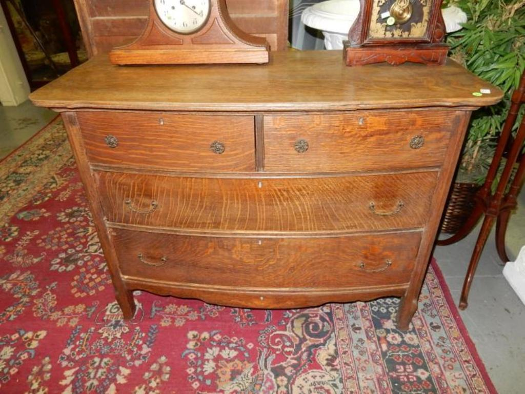 Image of: Antique Oak Dresser with Mirror