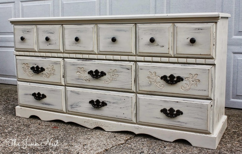 Image of: Antique White Dresser Drawers