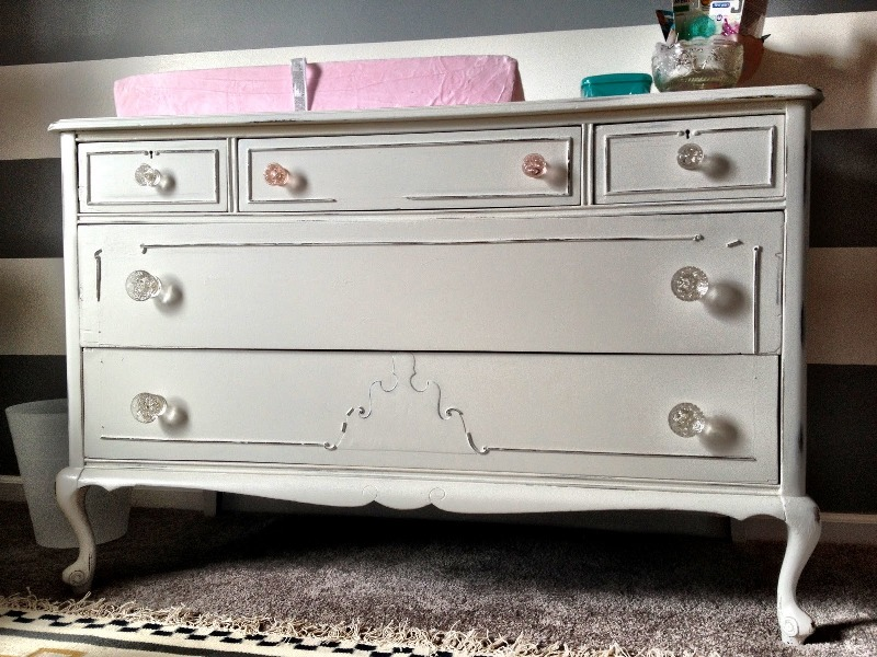 Image of: Antique White Dresser For Nurseries