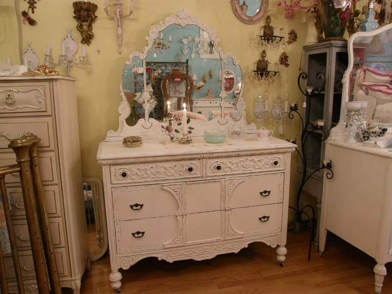 Image of: Antique White Dresser Shabby Chic