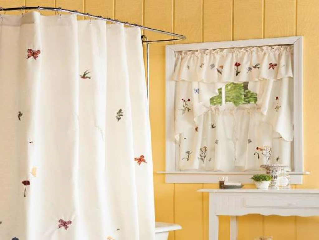 Image of: Bathroom Curtain Simple