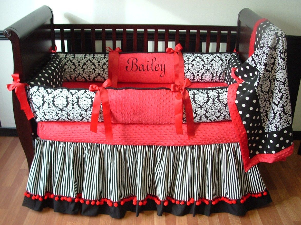 Image of: Black And White Bed Skirt Combination