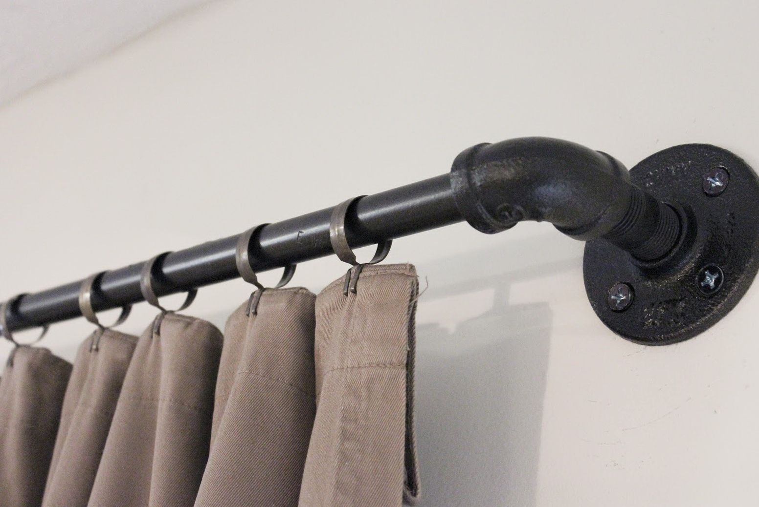 Image of: Black Curtain Rods Metal
