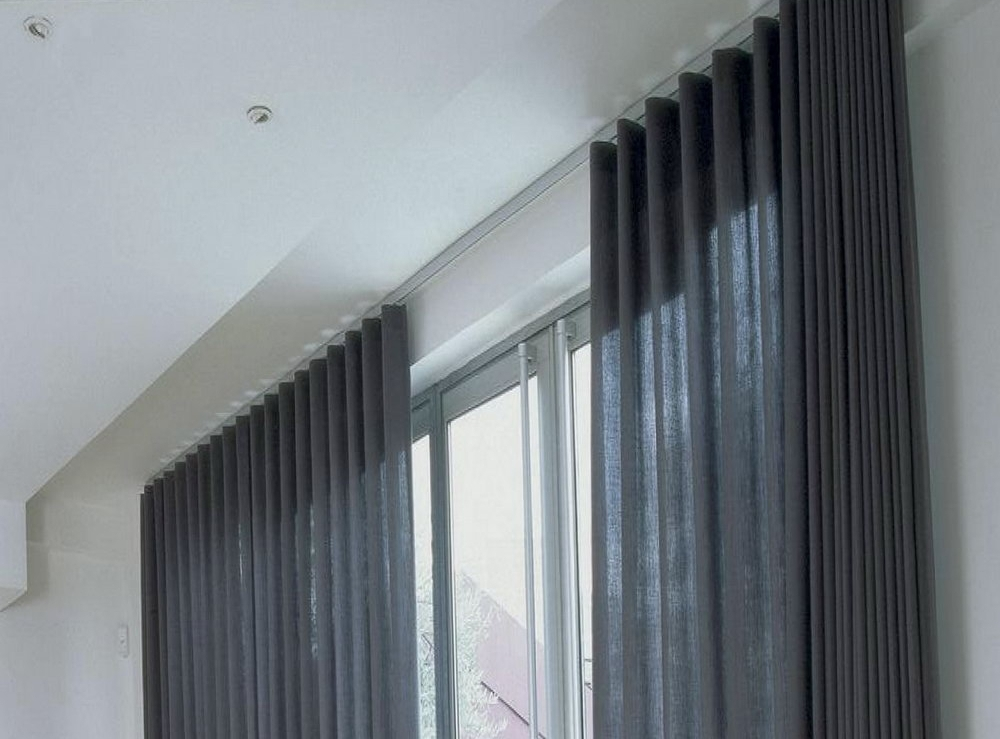 Image of: Ceiling Mount Curtain Rod Plentiful