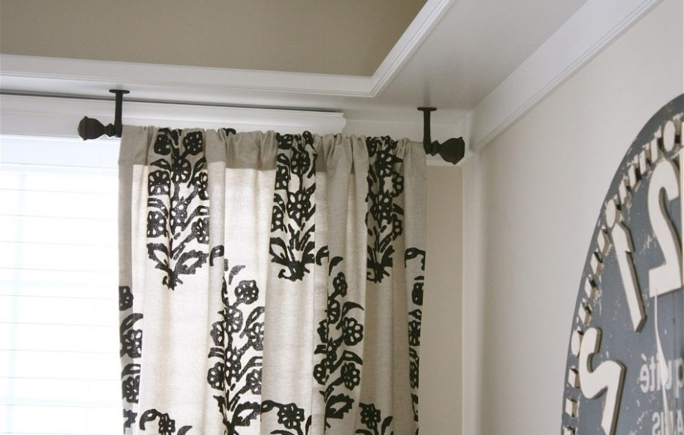 Image of: Ceiling Mount Curtain Rod Vintage