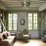 Colonial Living Room Simple
