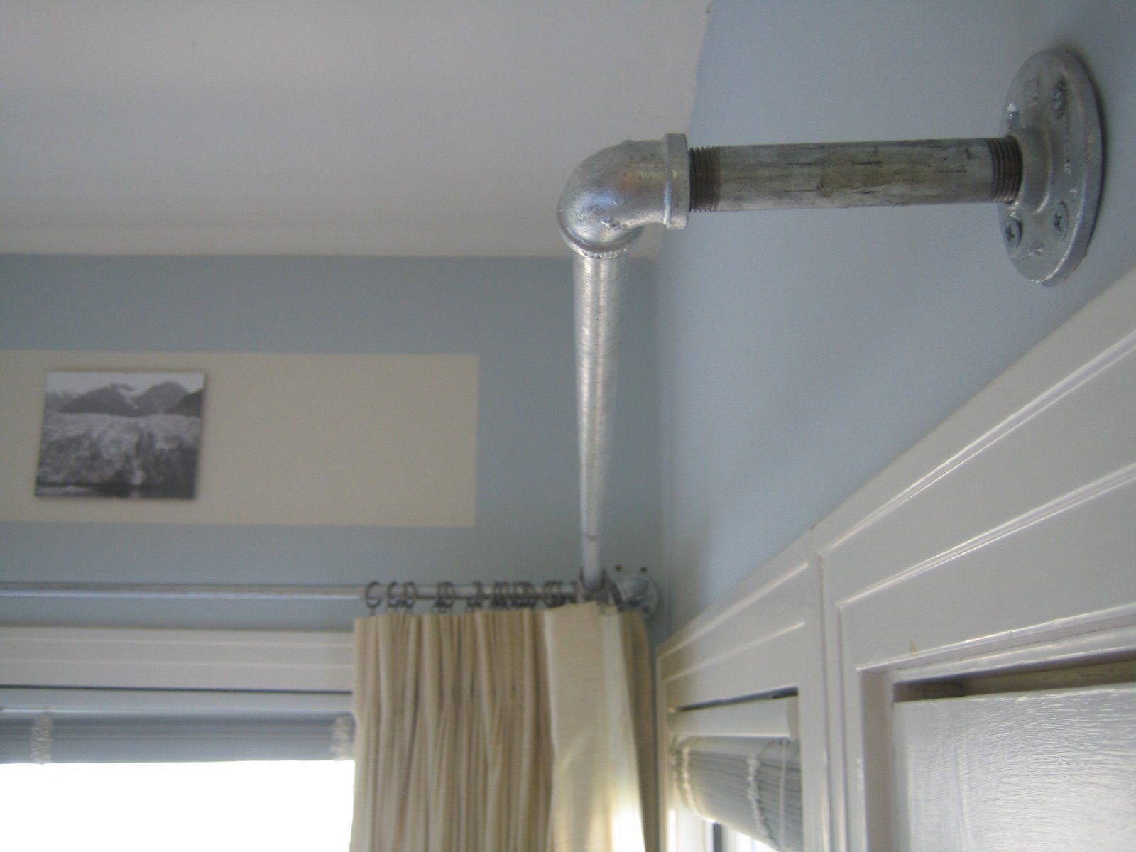 Image of: Corner Window Curtain Rod Detail