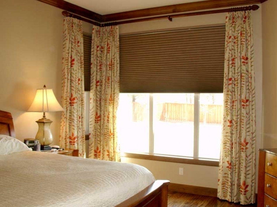 Image of: Corner Window Curtain Rod Home