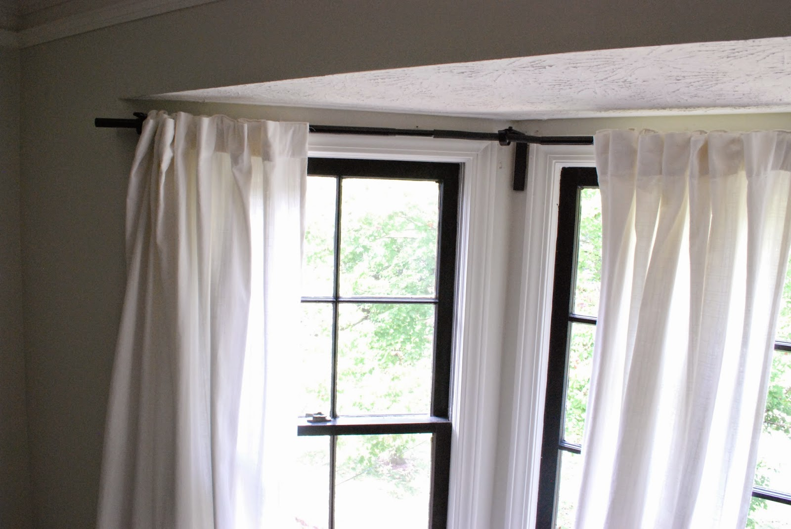 Image of: Corner Window Curtain Rod Interior