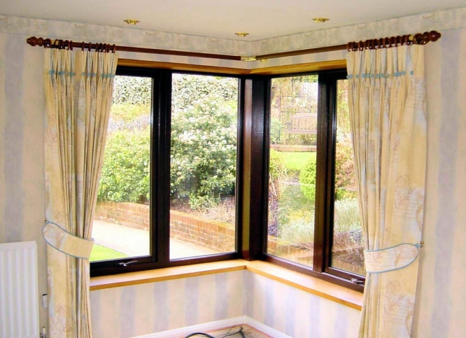 Image of: Corner Window Curtain Rod Luxury
