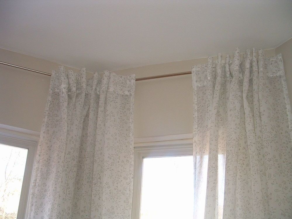 Image of: Corner Window Curtain Rod Simple