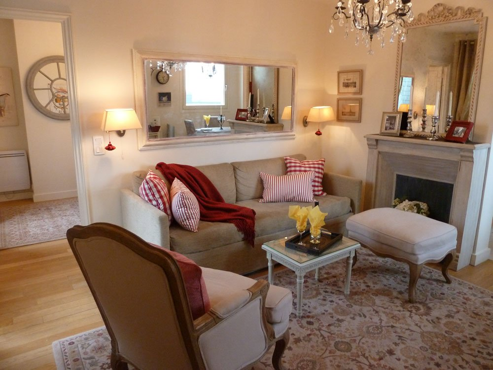 Image of: Country Living Room Mirror