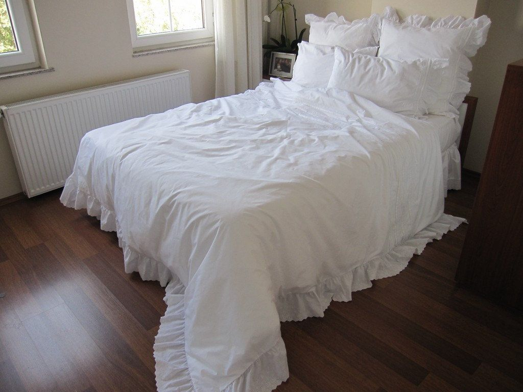 Image of: Cover Ruffle Bed Skirt