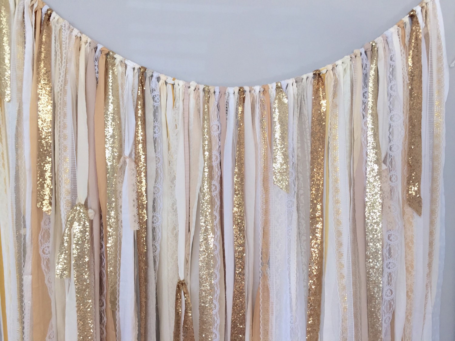 Image of: Curtain Backdrop Gold
