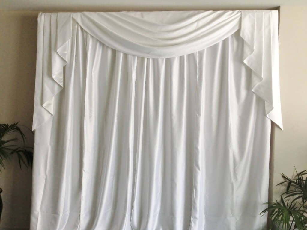 Image of: Curtain Backdrop White