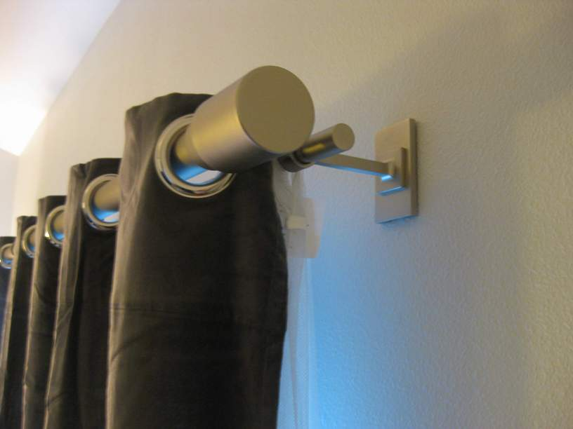 Image of: Curtain Rod Ends Simple