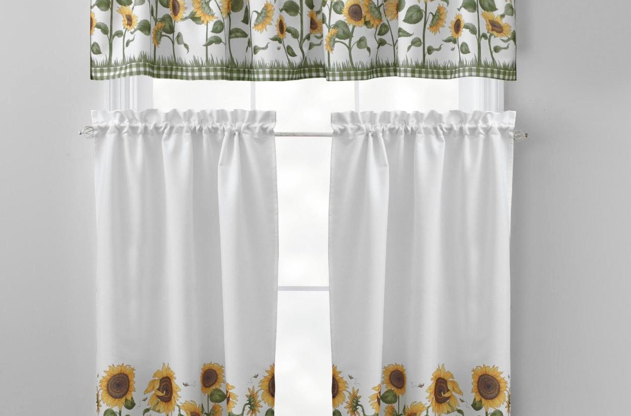 Image of: Curtain Set Yellow