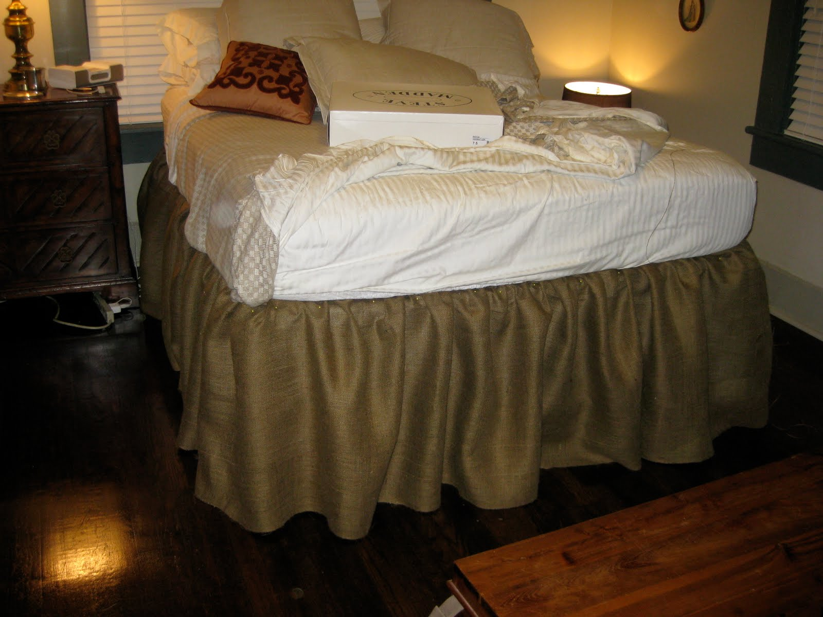 Image of: DIY Bed Skirt Style