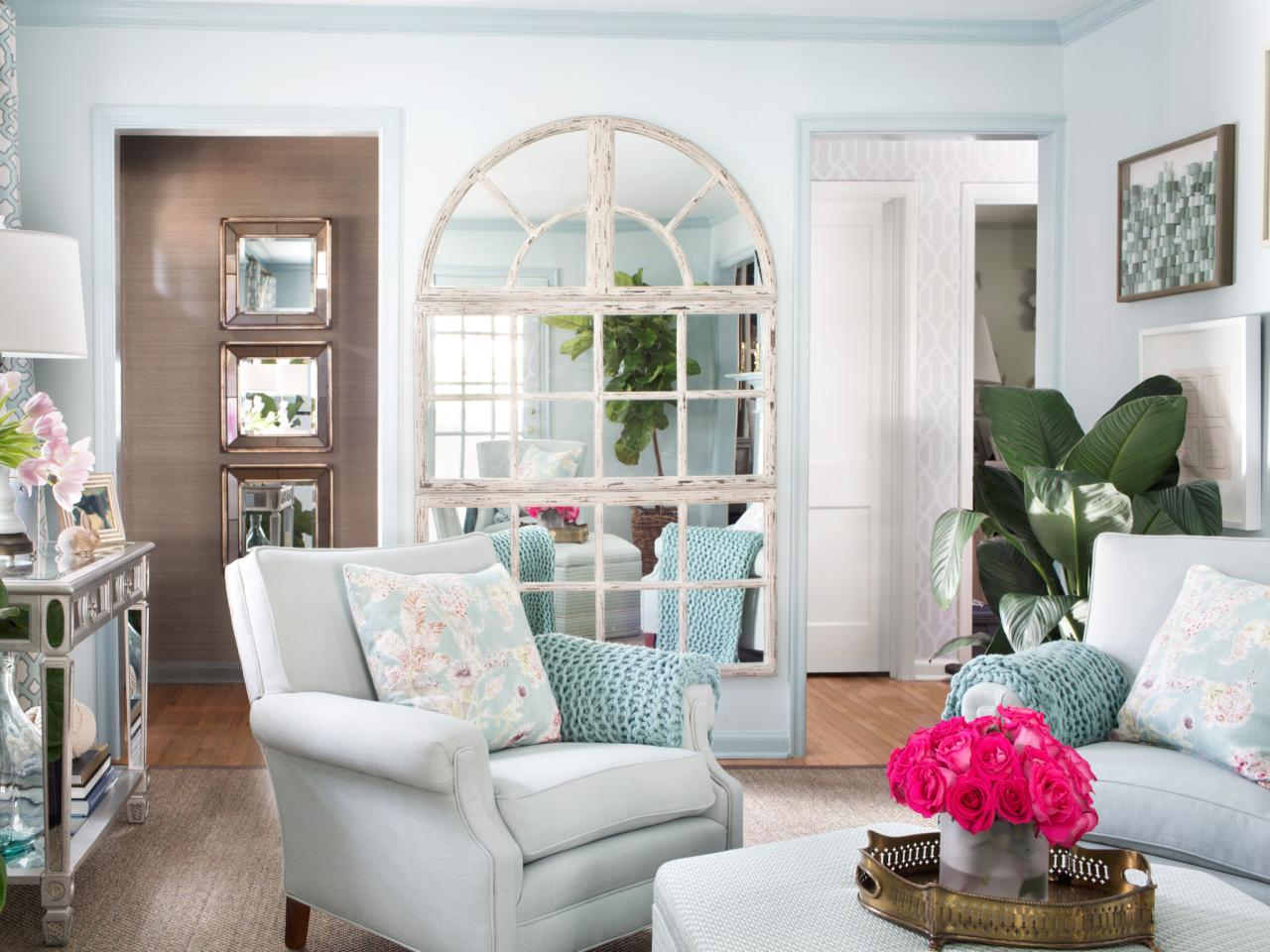 Image of: Decorating Small Living Room White