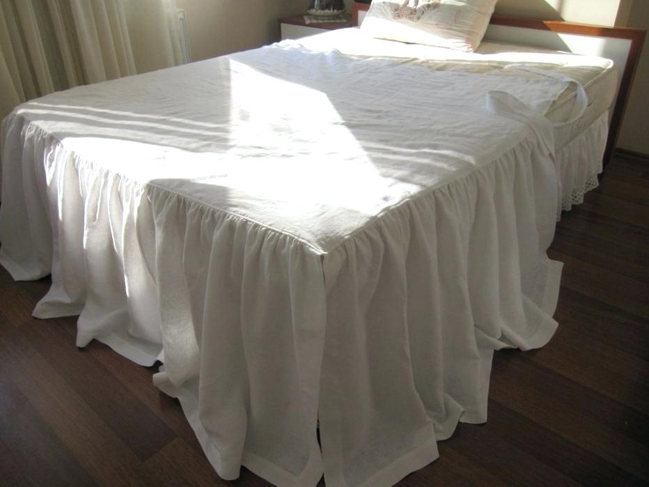 Image of: Dorm Room Bed Skirts Style