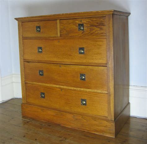 Image of: Easy Arts and Crafts Dresser