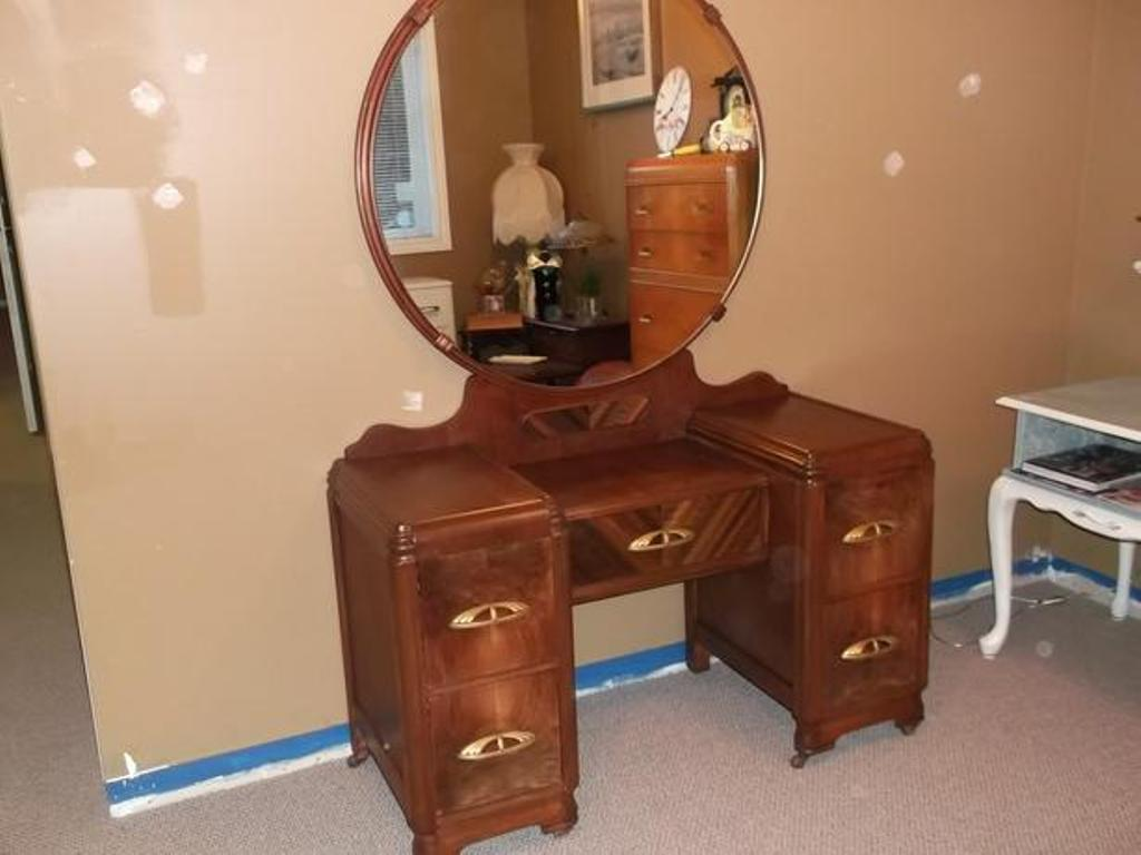 Image of: Ebay Antique Vanity Dresser
