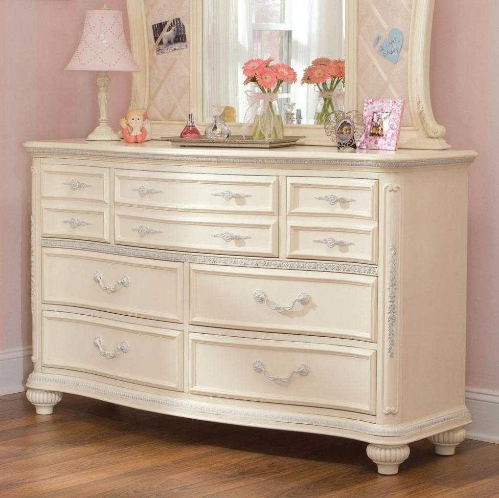 Image of: Fabulous Antique White Dresser