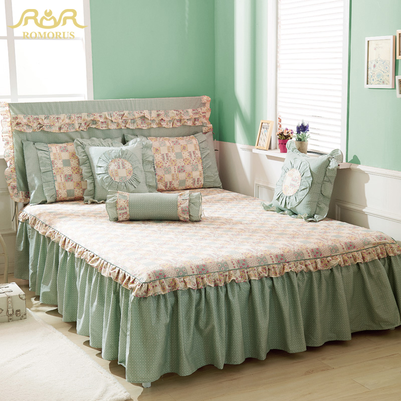 Image of: Floral Tailored Bed Skirt