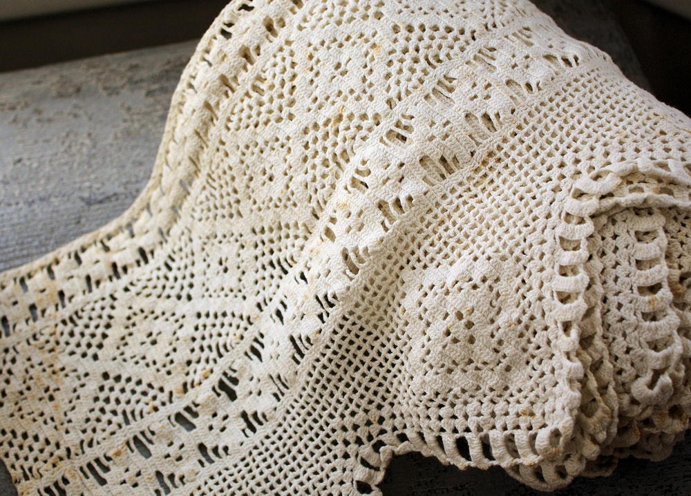 Image of: French Crochet Bed Skirt