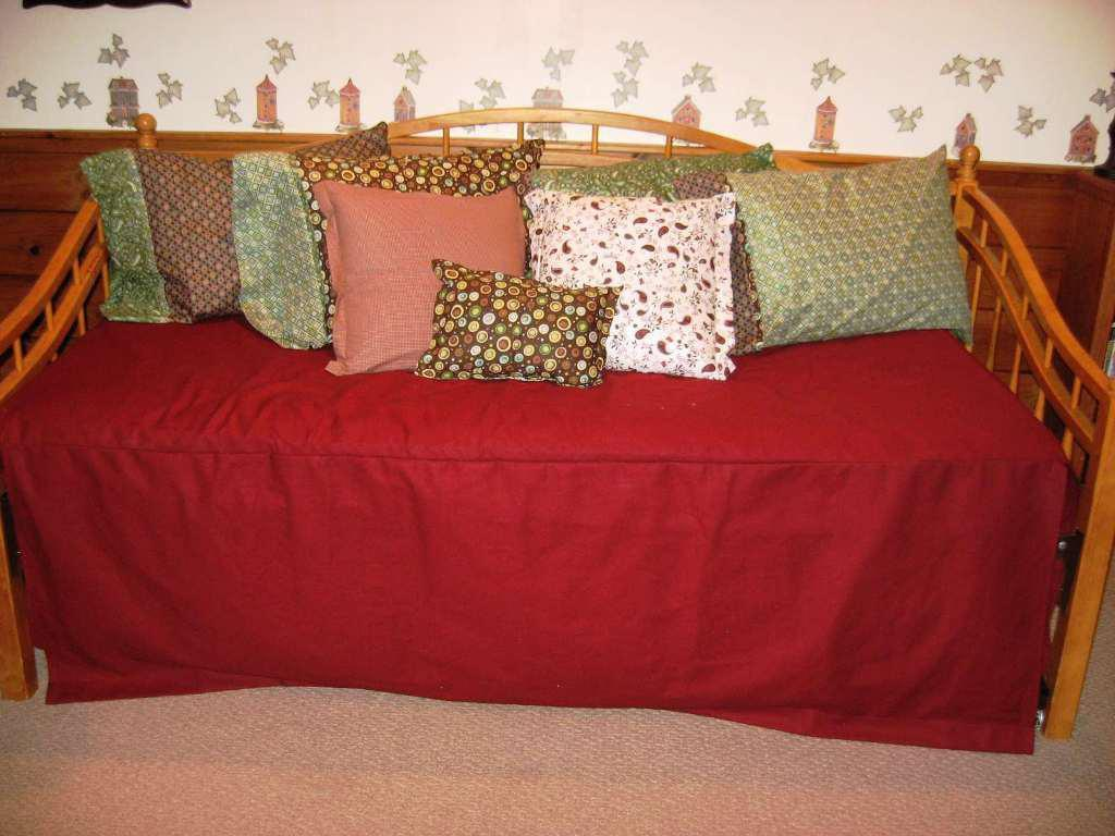 Image of: Georgeous Gold Bed Skirt