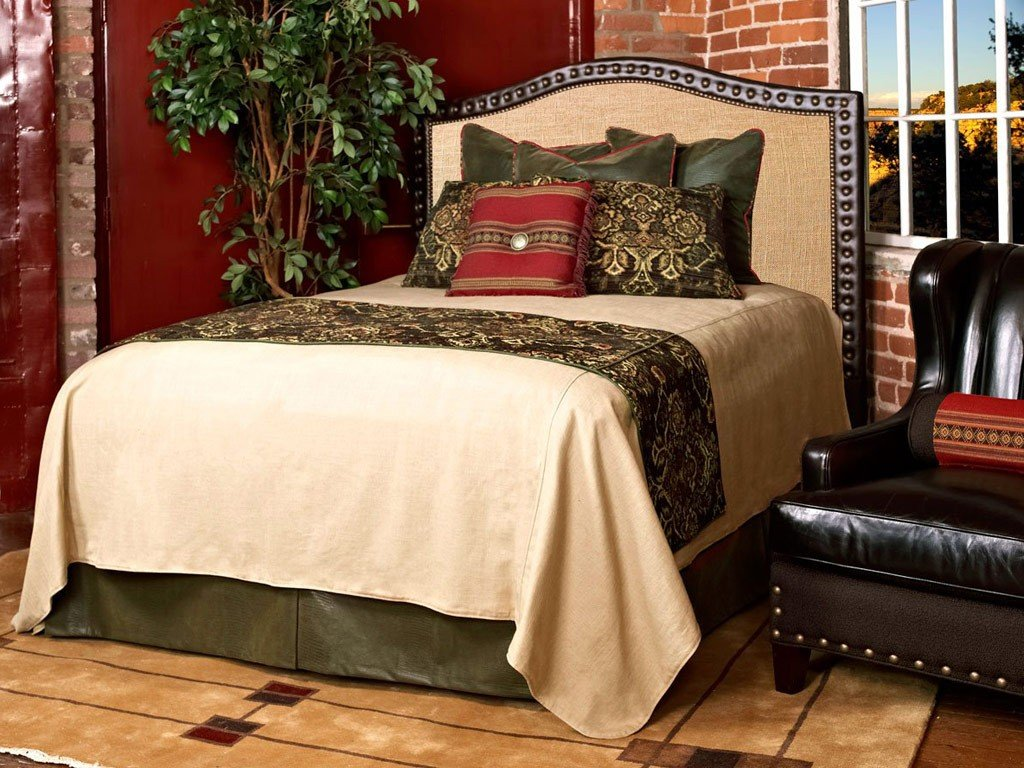 Image of: Global Gold Bed Skirt