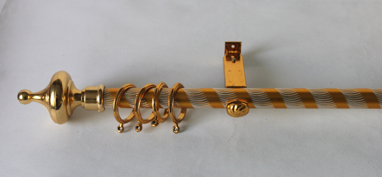 Image of: Gold Curtain Rod Aluminium