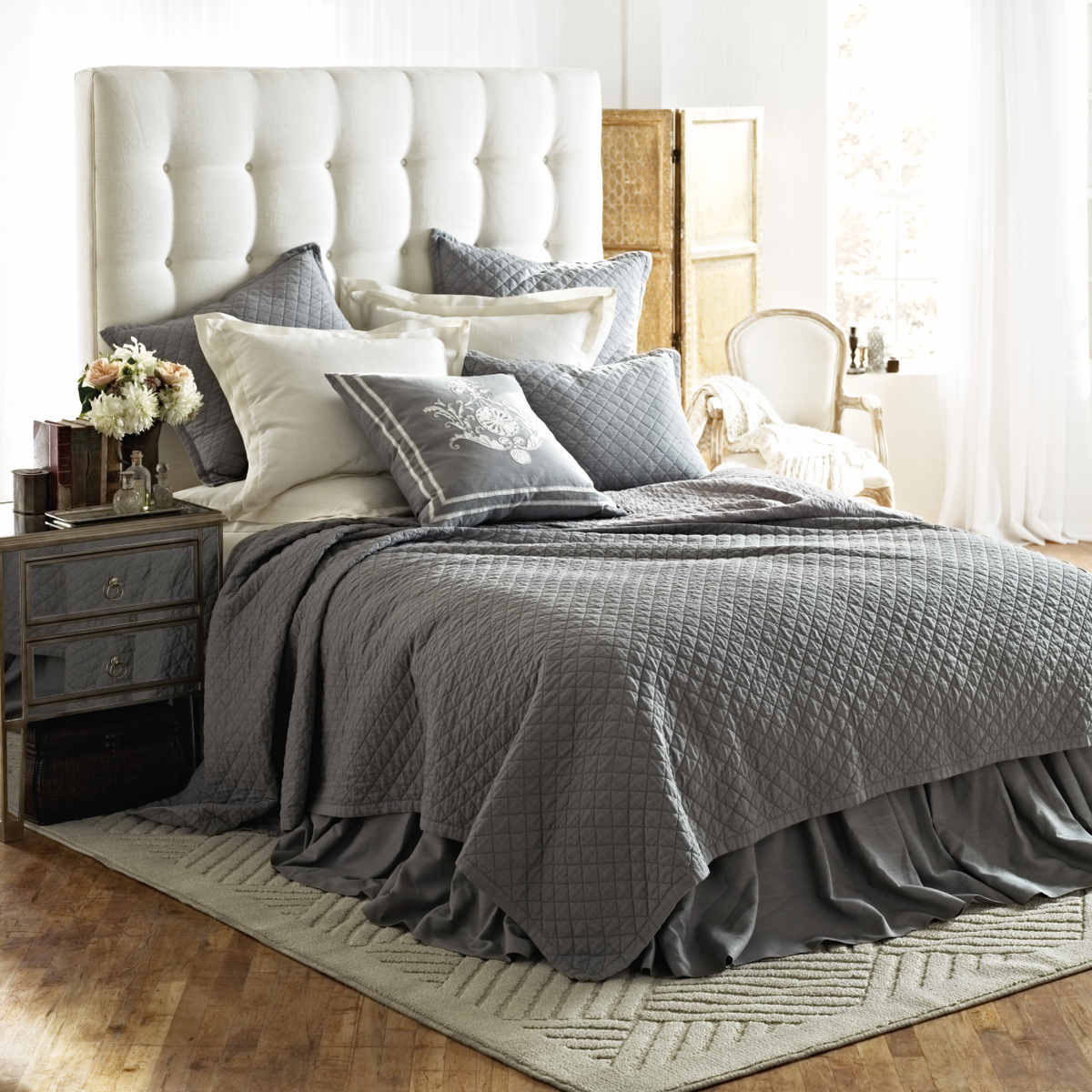 Image of: Gray Bed Skirt Set
