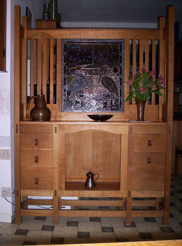 Image of: Great Arts and Crafts Dresser