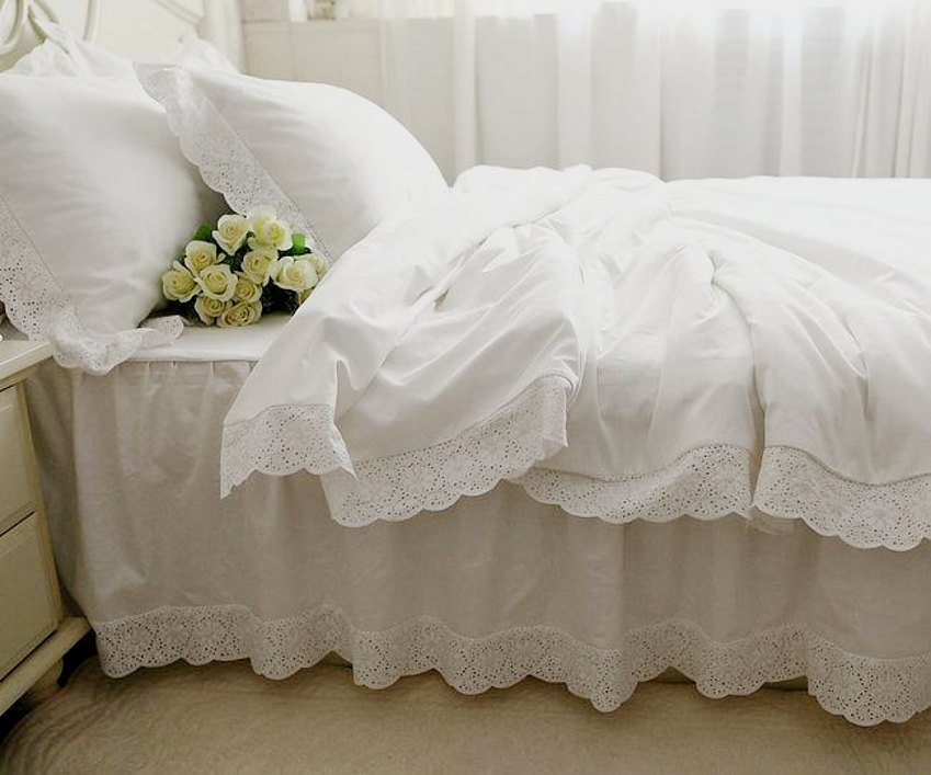 Image of: Great Lace Bed Skirt