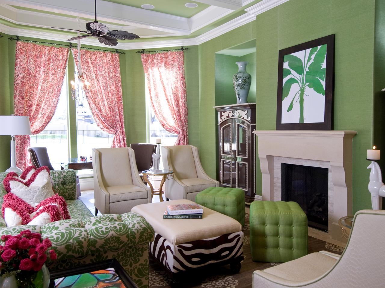 Image of: Green Living Room Walls Inspiration