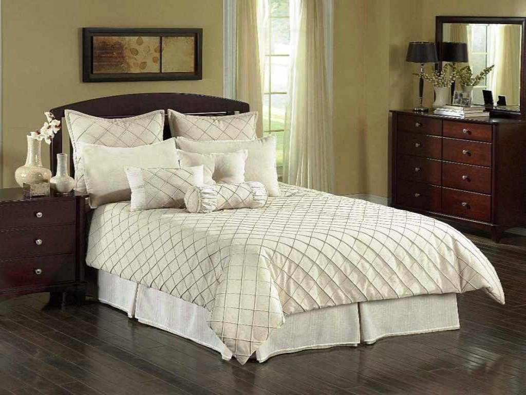 Image of: Home Gold Bed Skirt